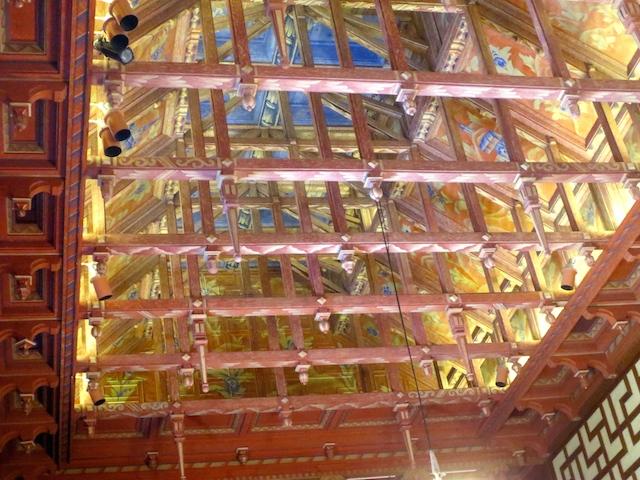 Plafond van de raadszaal