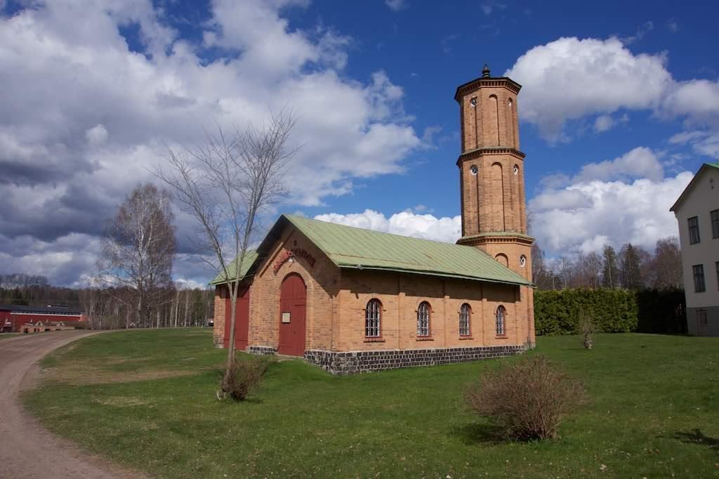 Een van de gebouwen in het Bruksmiljö (industrieterrein), de oude brandweerpost.