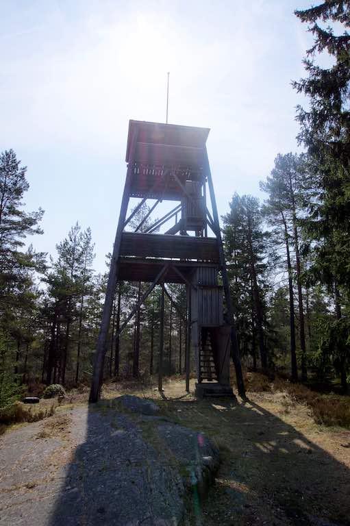 De uitzichttoren op Fryksdalshöjden.